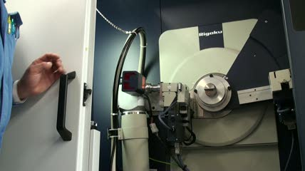 X線回折装置のマニュアルを動画で作成